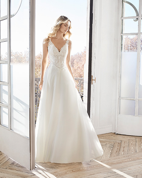 ELEA Wedding                                          dress by Aire Barcelona Bridal