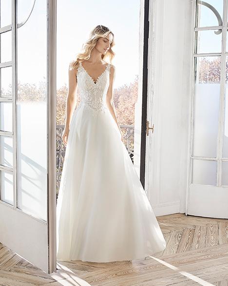 ELEA Wedding                                          dress by Aire Barcelona Bridal