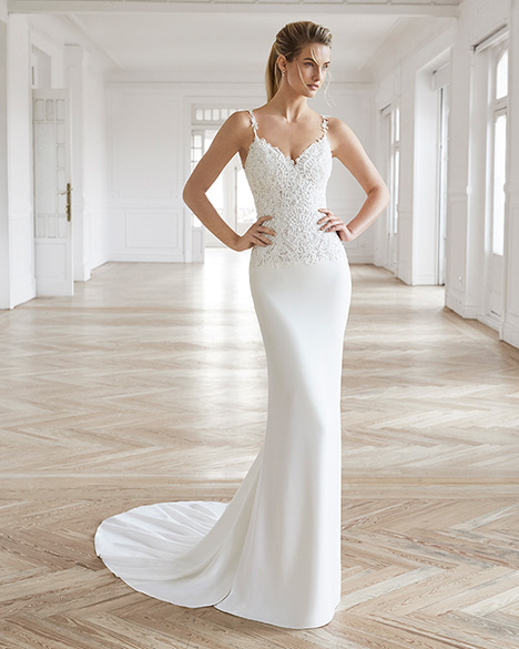 ELEN Wedding                                          dress by Aire Barcelona Bridal