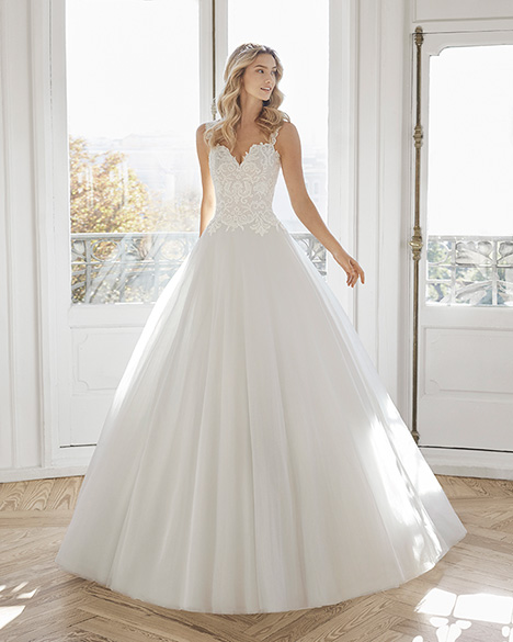 ECOLOGIA Wedding                                          dress by Aire Barcelona Bridal
