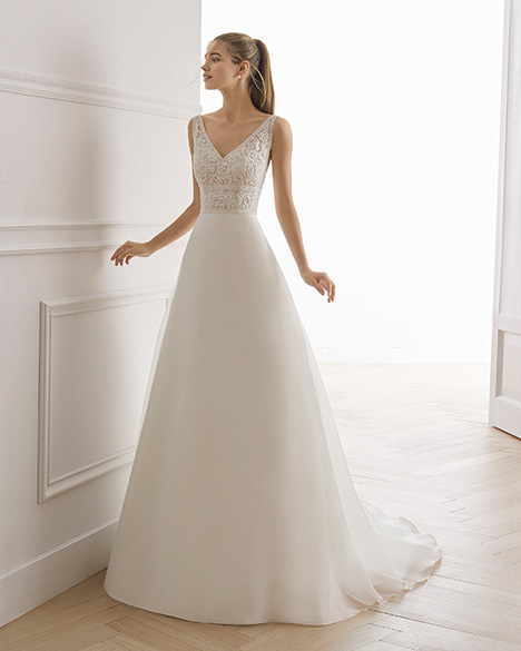 ESLORA Wedding                                          dress by Aire Barcelona Bridal