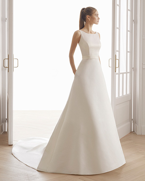 EFECTO Wedding                                          dress by Aire Barcelona Bridal