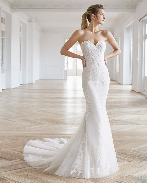 ELIEL gown from the 2019 Aire Barcelona Bridal collection, as seen on dressfinder.ca