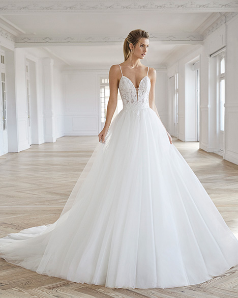 ELAIA gown from the 2019 Aire Barcelona Bridal collection, as seen on dressfinder.ca