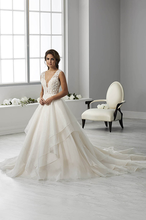 15681 Wedding                                          dress by Christina Wu