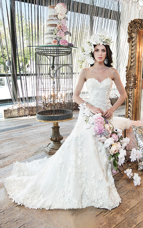 HAVANA Wedding                                          dress by Yumi Katsura