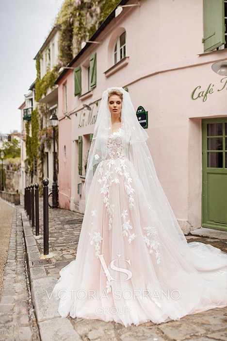 Bloom gown from the 2019 Victoria Soprano collection, as seen on dressfinder.ca