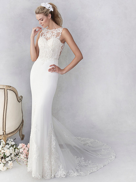 be452 Wedding                                          dress by Ella Rosa