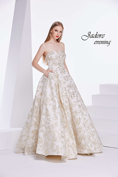 J14002 gown from the 2018 Jadore Evening collection, as seen on dressfinder.ca