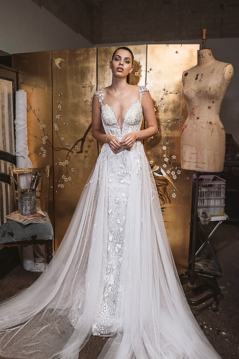 LA20-01 Emma Wedding dress by Lavish by Persy