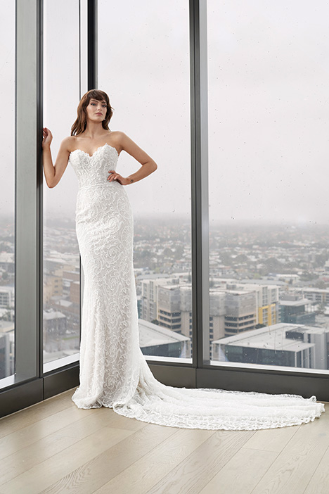 CZ 6053 gown from the 2019 Cizzy Bridal collection, as seen on dressfinder.ca