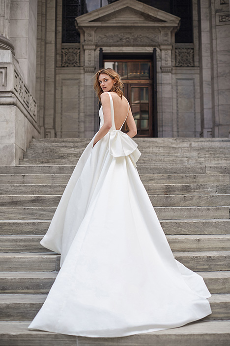 BL19102 Wedding                                          dress by Monique Lhuillier: Bliss