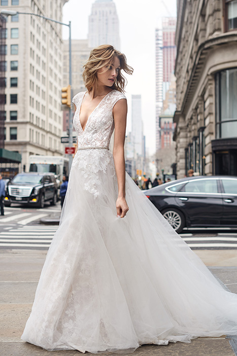 BL19104 Wedding                                          dress by Monique Lhuillier: Bliss