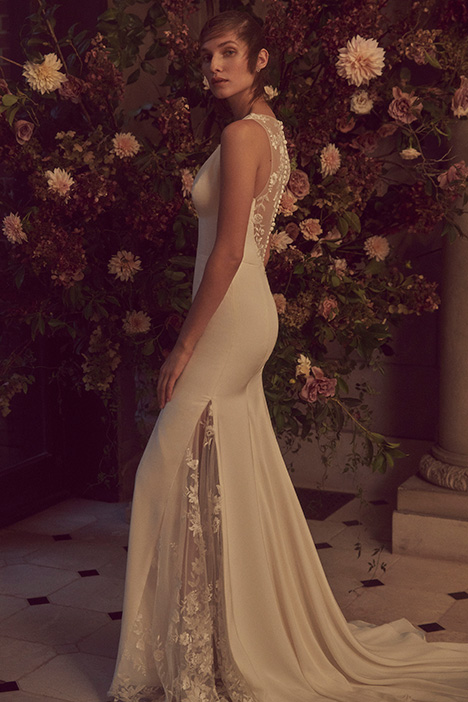 BL19214 gown from the 2019 Monique Lhuillier: Bliss collection, as seen on dressfinder.ca