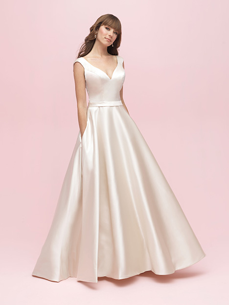 Style 3201 gown from the 2019 Allure Romance collection, as seen on dressfinder.ca