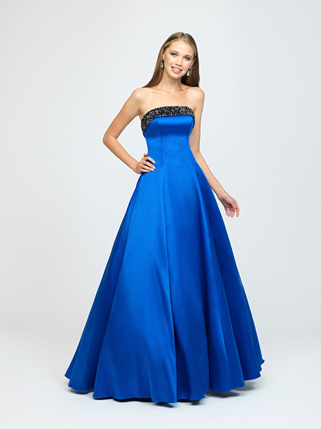 19-142 Prom                                             dress by Madison James Special Occasion