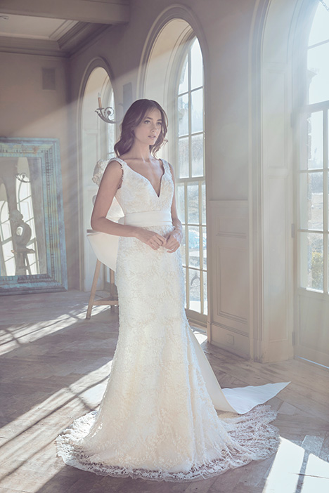 OSCAR Wedding                                          dress by Sareh Nouri