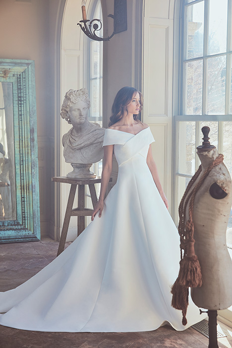 OZANNE Wedding                                          dress by Sareh Nouri