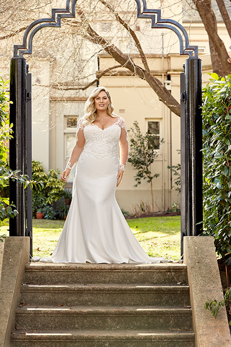 Y11943 + Wedding                                          dress by Sophia Tolli