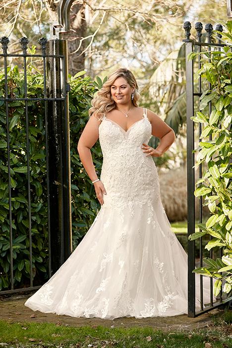 Y11957 + Wedding                                          dress by Sophia Tolli