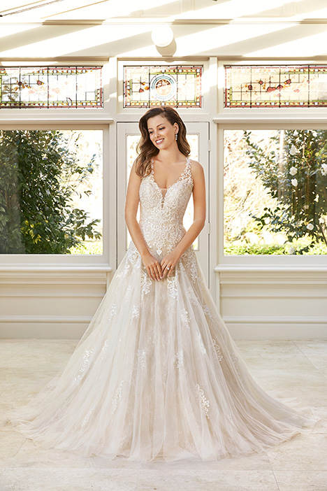 Y11963 Wedding                                          dress by Sophia Tolli