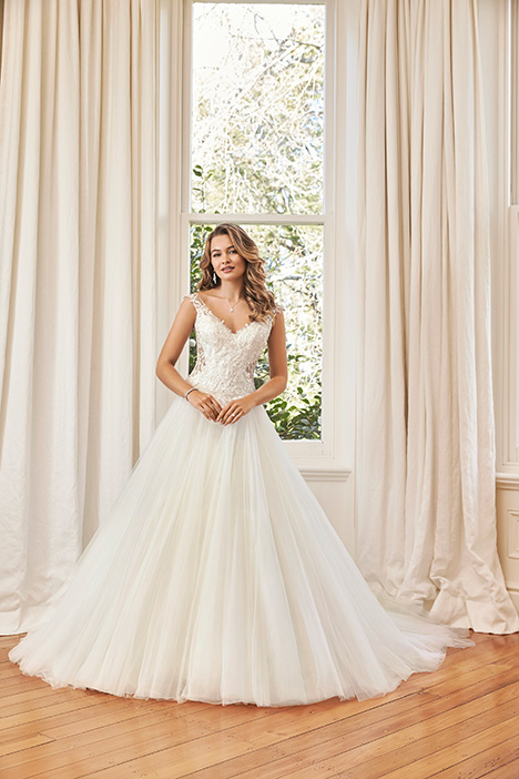 Y11965A gown from the 2019 Sophia Tolli collection, as seen on dressfinder.ca