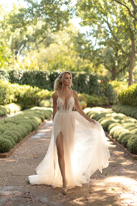 Bright Wedding dress by Naama Anat