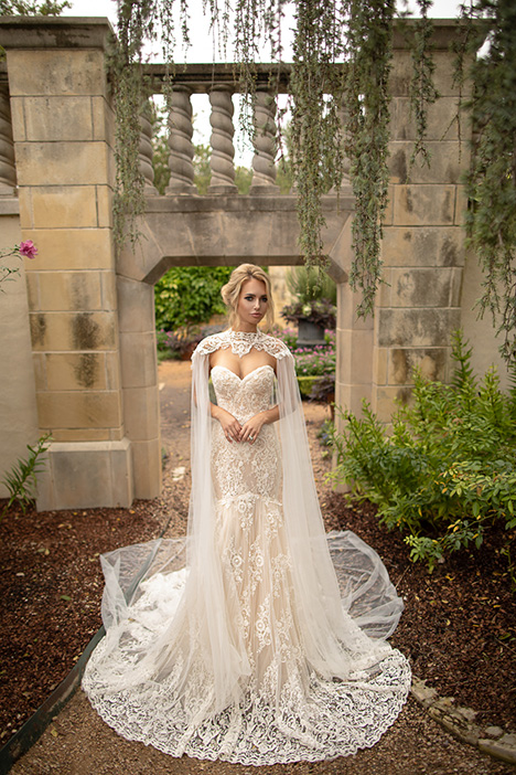 Successful (+ cape) Wedding                                          dress by Naama Anat
