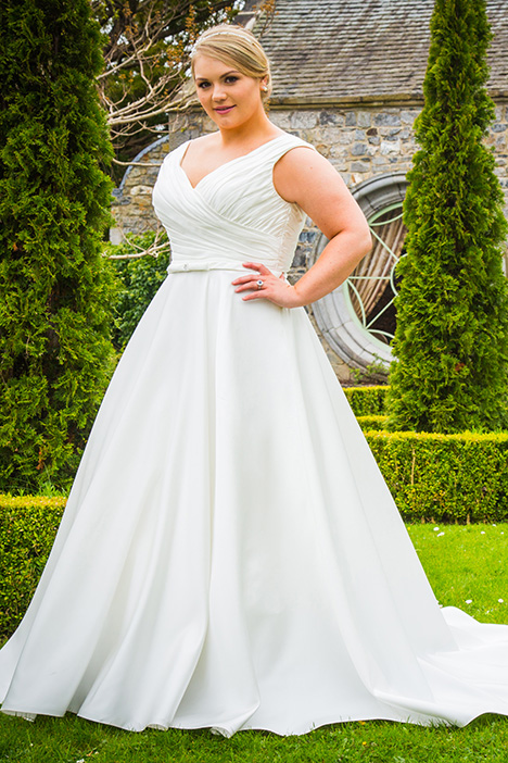 BBP17521 Wedding dress by Bridalane: Beautiful Brides Plus