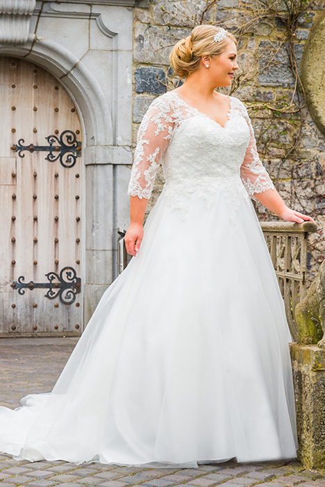 BBP18700 Wedding                                          dress by Bridalane: Beautiful Brides Plus