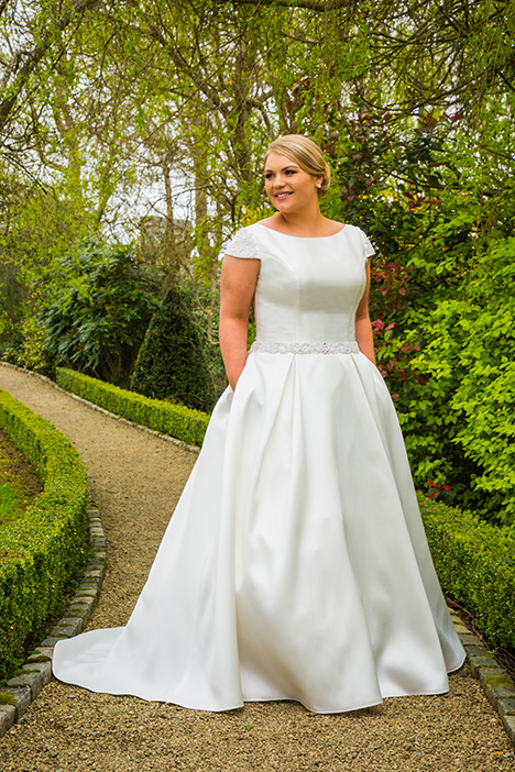 BBP18719 gown from the 2018 Bridalane: Beautiful Brides Plus collection, as seen on dressfinder.ca