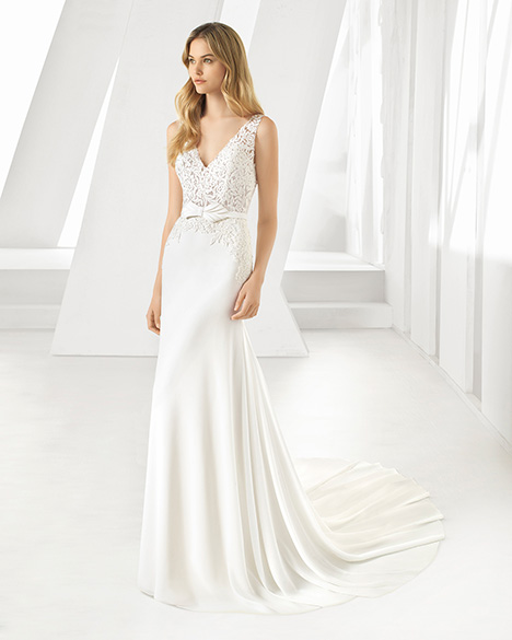 DANEL (3A116) Wedding                                          dress by Rosa Clara