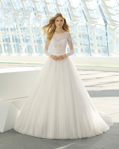 DIVINE (3A183) Wedding dress by Rosa Clara
