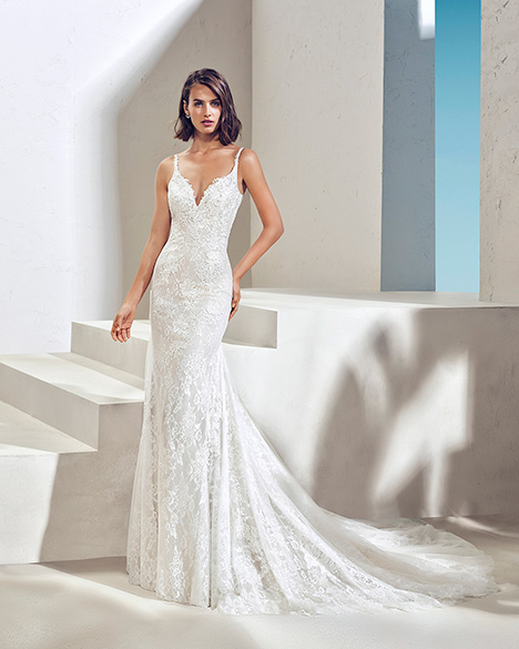 FACTOR (3N102) Wedding dress by Adriana Alier