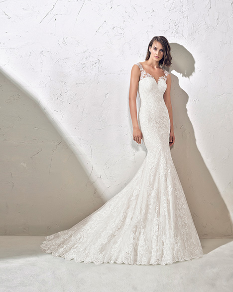 FADIA (3N104) Wedding                                          dress by Adriana Alier