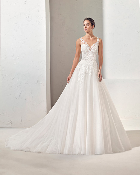 FIDES (3N129) Wedding                                          dress by Adriana Alier