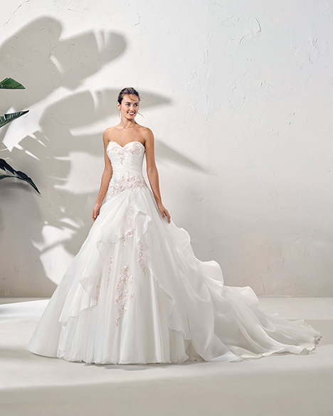FORMA (3N141) Wedding                                          dress by Adriana Alier