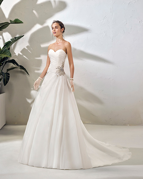 FOSCO (3N143) Wedding                                          dress by Adriana Alier