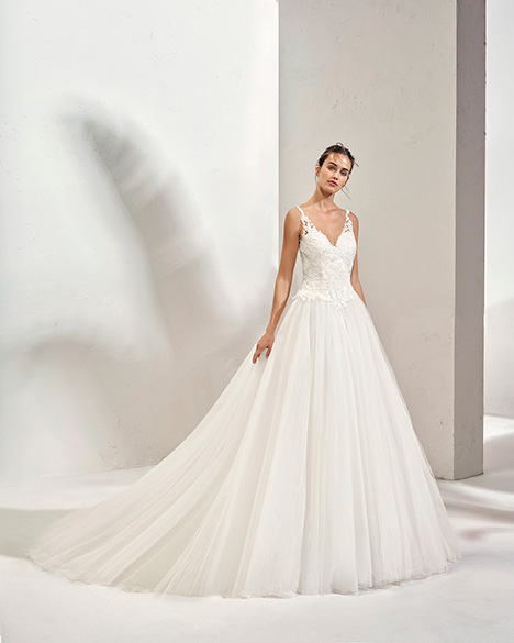 FOSTER (3N144) Wedding                                          dress by Adriana Alier