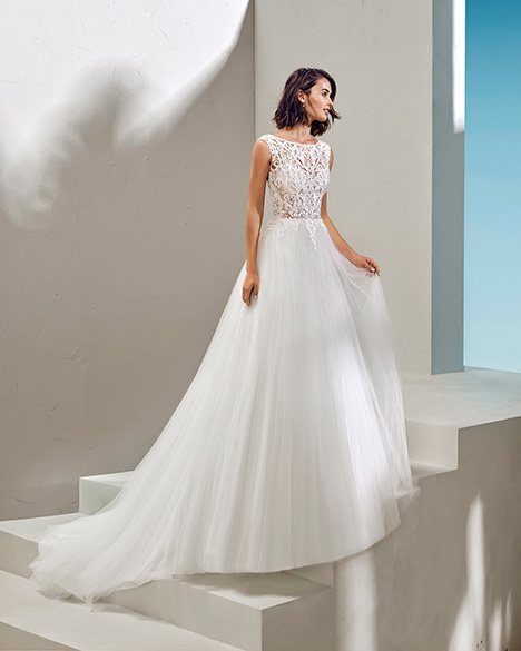 FRASSE (3N148) Wedding                                          dress by Adriana Alier