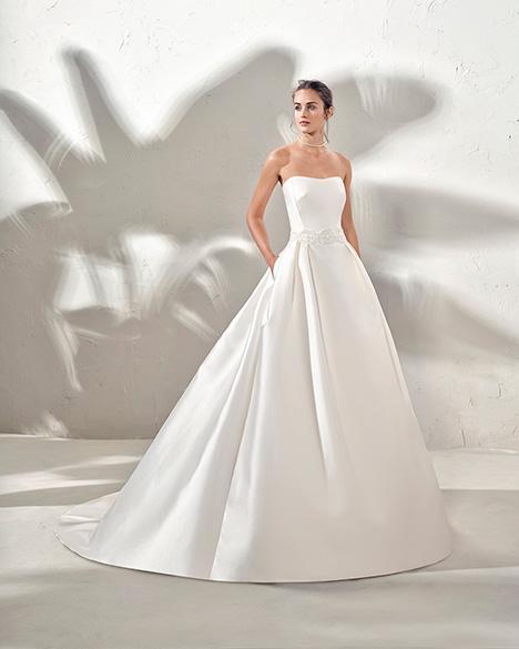 FURBY (3N167) Wedding dress by Adriana Alier