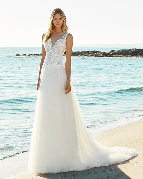 GILM Wedding                                          dress by Aire Barcelona Beach Wedding