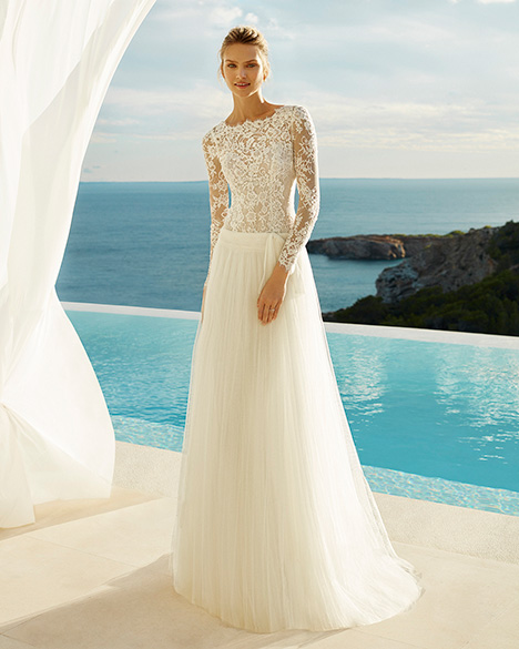 GILMAN Wedding                                          dress by Aire Barcelona Beach Wedding