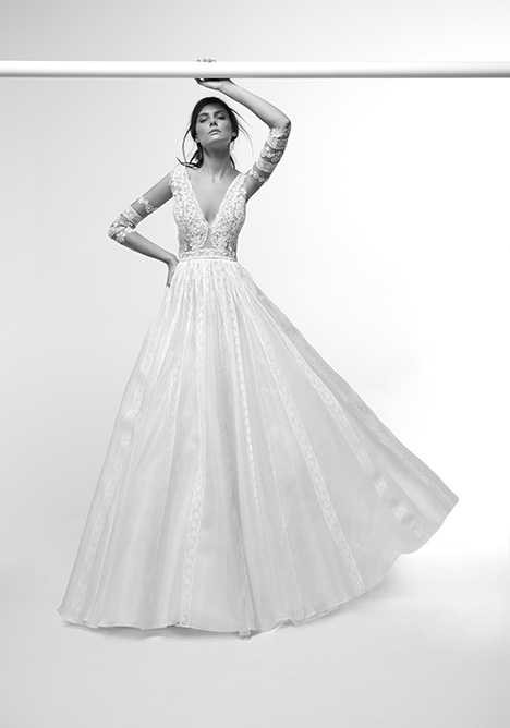ARAB19758 gown from the 2019 Alessandra Rinaudo collection, as seen on dressfinder.ca