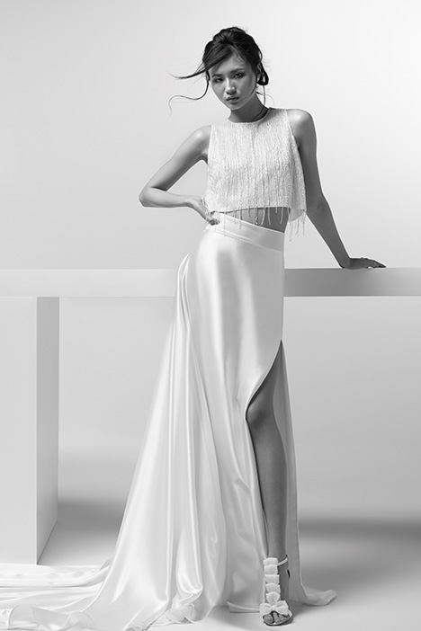 ARTP19741 + ARSK19741 gown from the 2019 Alessandra Rinaudo collection, as seen on dressfinder.ca