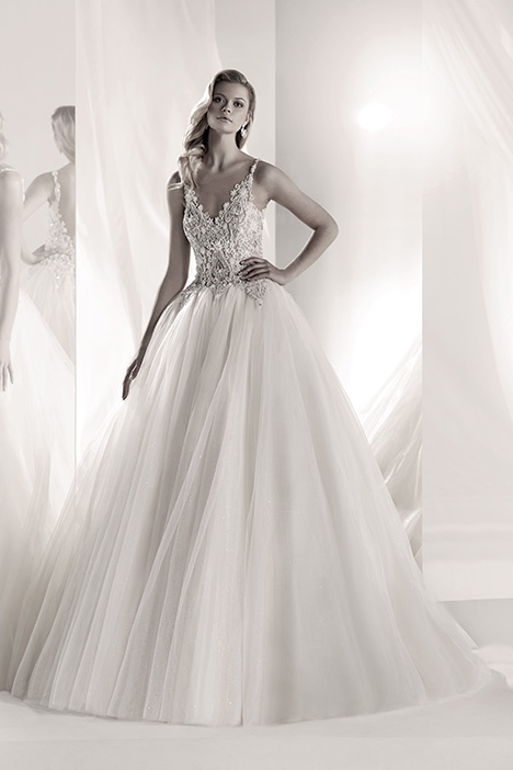 LXAB19013 gown from the 2019 Luxury collection, as seen on dressfinder.ca
