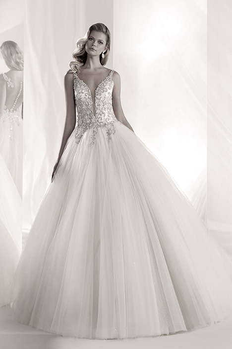 LXAB19014 gown from the 2019 Luxury collection, as seen on dressfinder.ca