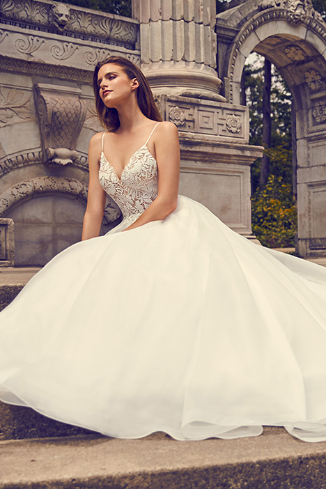 2225 Wedding                                          dress by Mikaella