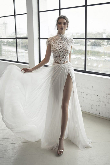 Blanche (1558) Wedding                                          dress by Romanzo by Julie Vino