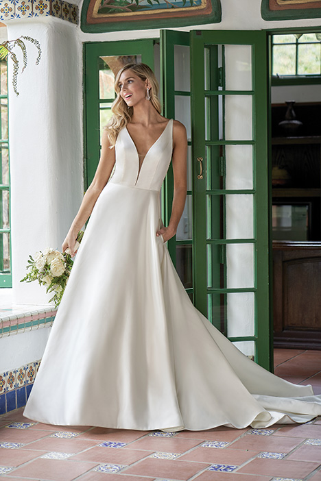 F211003 Wedding                                          dress by Jasmine Collection
